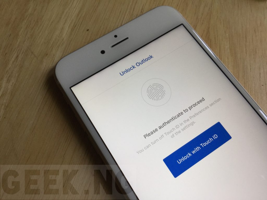 Microsoft outlook secured with Touch ID