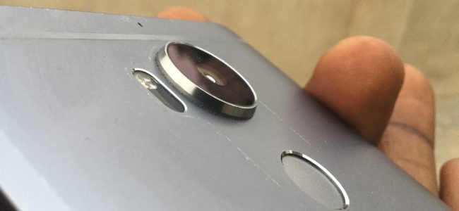 camera bump on smartphone