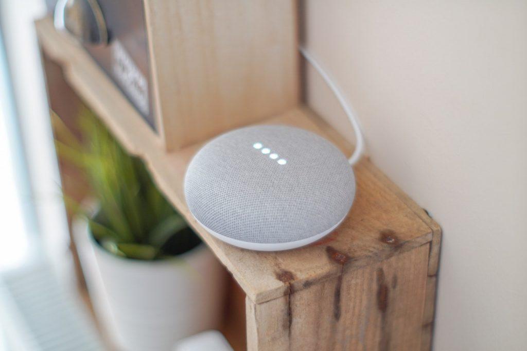 gadget-google-assistant-google-home